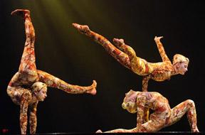 Alixa flex on stage - Stretching our skill development